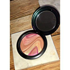 MAC MOTHER O PEARL LE FACE POWDER